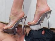 trampling-ibn-high-heels-006