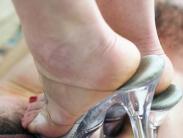 trampling-ibn-high-heels-012